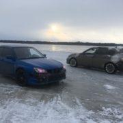Такси по замершему озеру